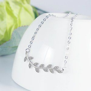 NEW 925 Sterling Silver Diamond Leaf Necklace